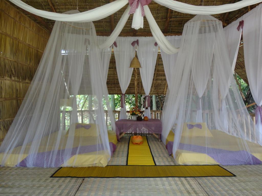 einfache Hütten in Prasat