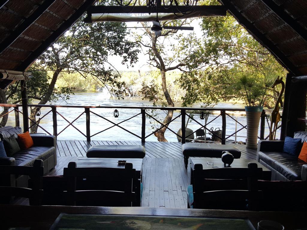 Ichingo Chobe River Tented Lodge ***auf der Insel Impalila im Chobe-Fluss*