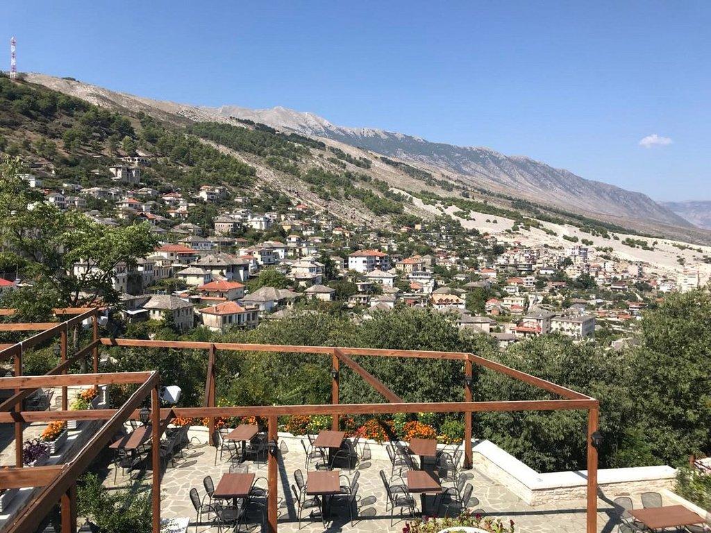 Bineri *** in Gjirokastra