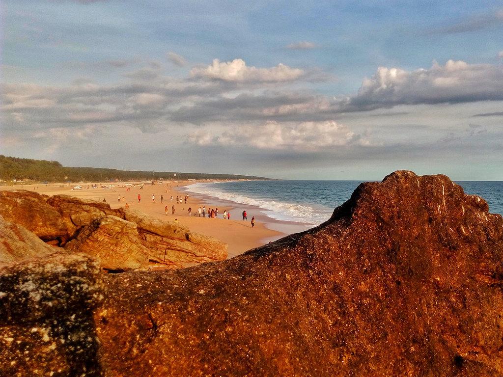Poovar: Pool, Beach, Strandspaziergänge
