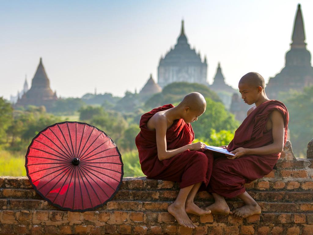 Bagan: Erkundung des Tempelfeldes per Rad und Bus