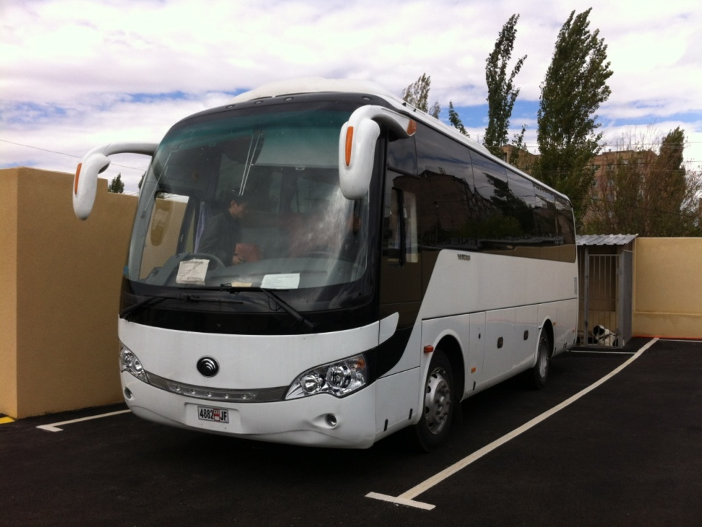 Einer unserer Busse in Turkmenistan