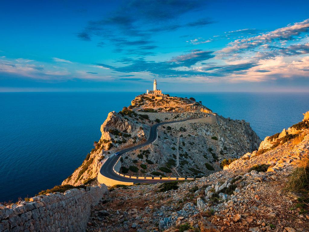 Ciutadella – Cala Tirant – Cala Binemel-La – Ciutadella: Wanderung im Norden der Insel zum Cap de Cavallería und zum Naturstrand von Binimel-La, Freizeit am Strand