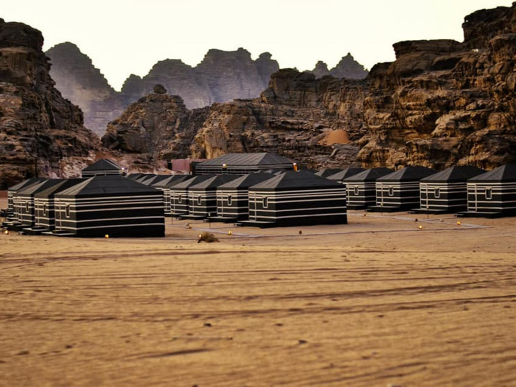 Space Village Camp   im Nationalpark Wadi Rum