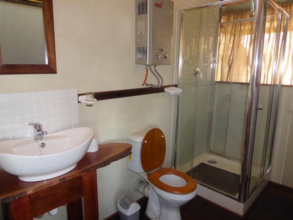 Sharwimbo Adventure Tented Lodge *** am Kwando-Fluss