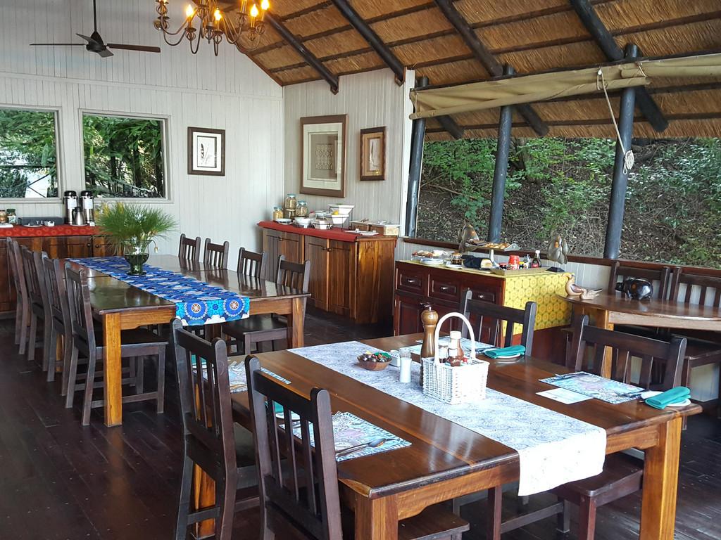 Ichingo Chobe River Tented Lodge **** auf der Insel Impalila im Chobe-Fluss