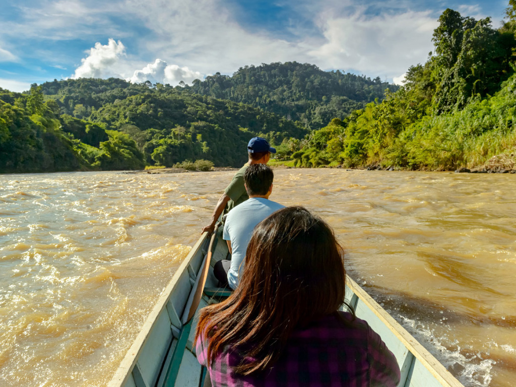 "Muara Koman – Samboja : Karstfelsen am Kandilo-Fluss, ""Borneo Orang Utan Survival Foundation"""