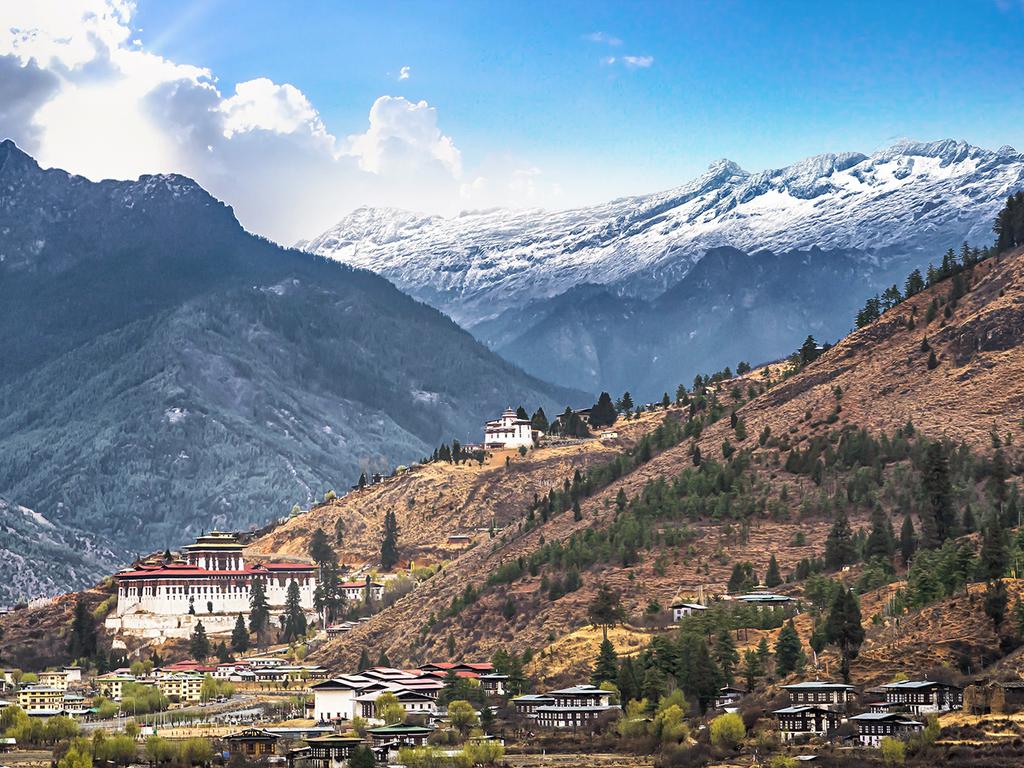 Phuentsholing – Thimphu: Fahrt nach Thimphu, Kharbandi Gompa, Spaziergang durch das Stadtzentrum