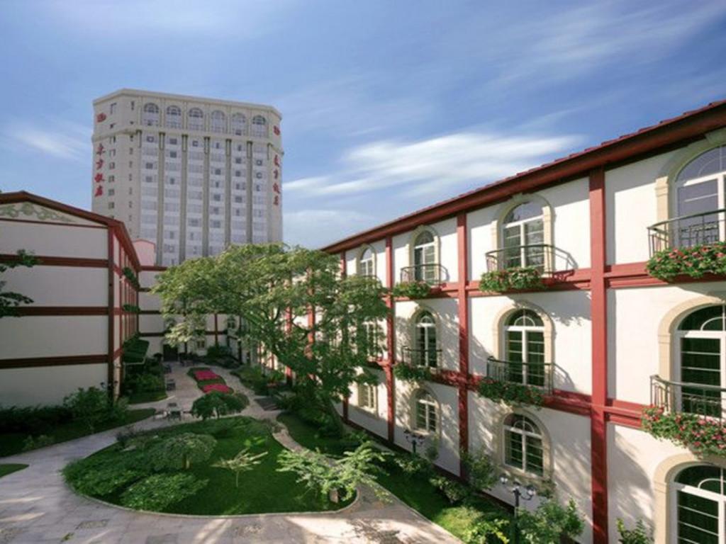 Hotel Dongfang*** in Beijing