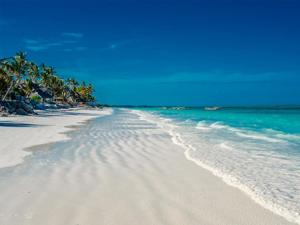 Sansibar/Pingwe: Transfer in den Osten der Insel, Badeaufenthalt im Tropenparadies