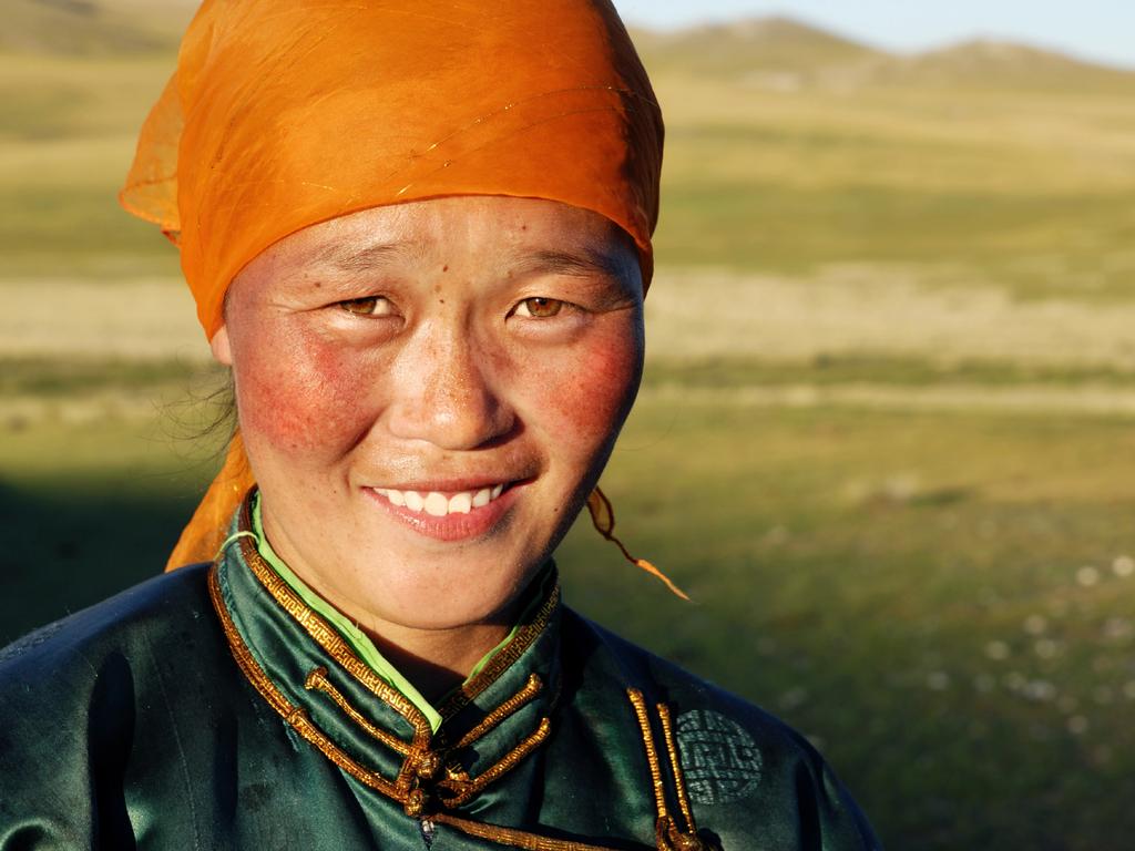 Bayanzag – Khongoriin-Els: Nomadenbesuch, Wanderung auf den Dünenkämmen