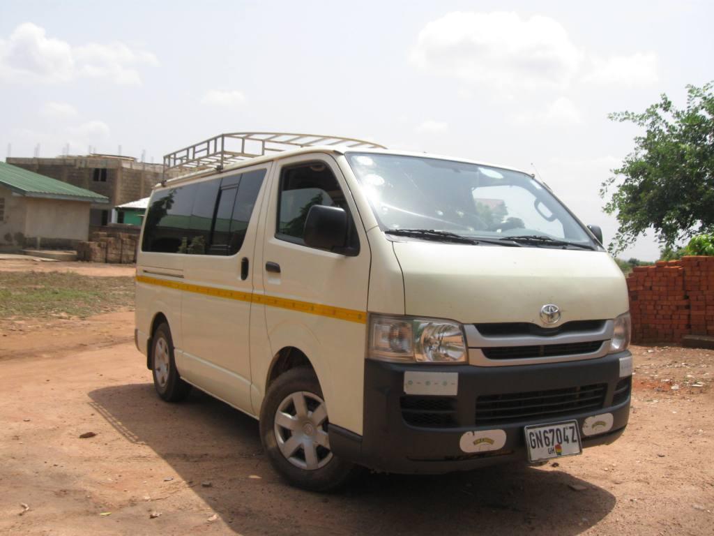 Einer unserer Minivans in Ghana und Togo für kleinere Gruppen