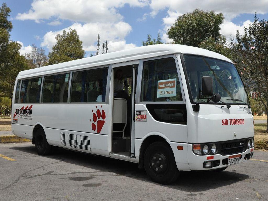 Einer unserer Minibusse in Ecuador.