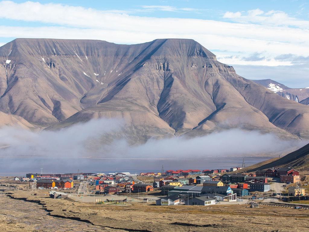 Oslo – Longyearbyen (Spitzbergen): Flug nach Spitzbergen, Orientierungsspaziergang