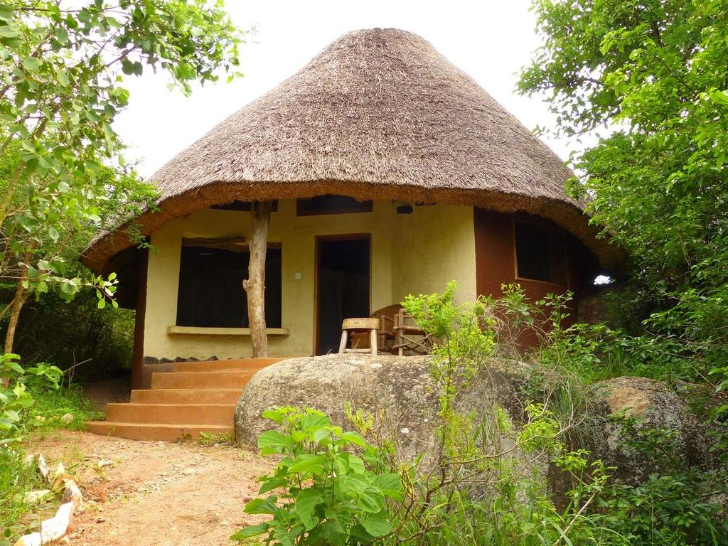 Rwakobo Rock Lodge ***