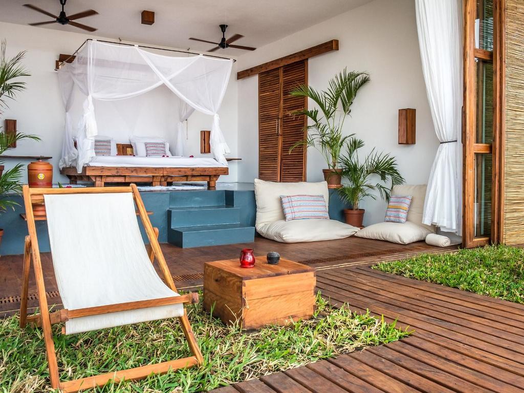 Baia Sonambula Guest House **** am Praia Tofo in Inhambane