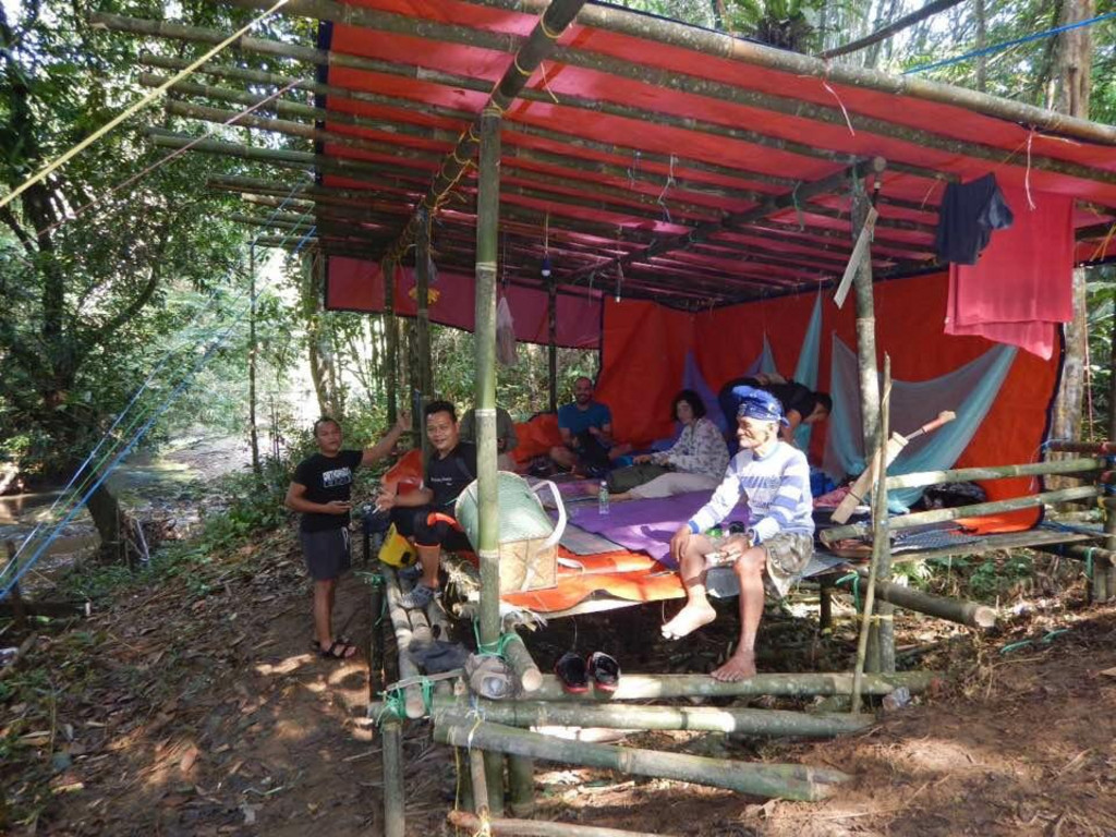 Dschungel-Camp   in Peraya