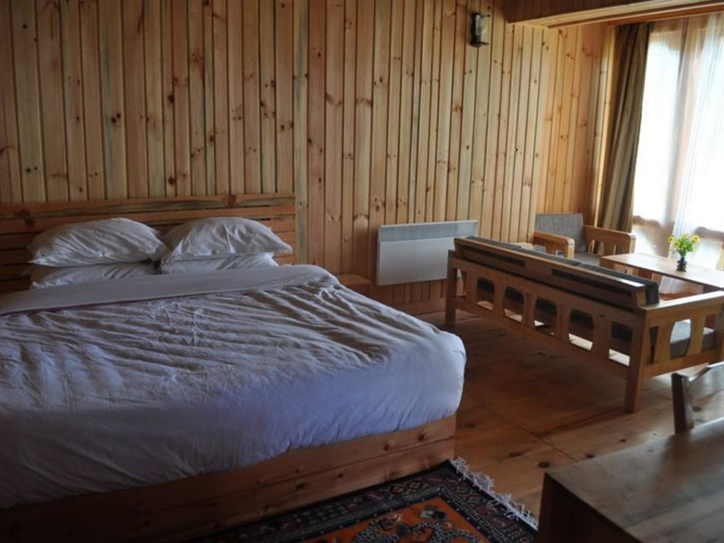 Yozerling Lodge **(*) in Jakar/Bumthang