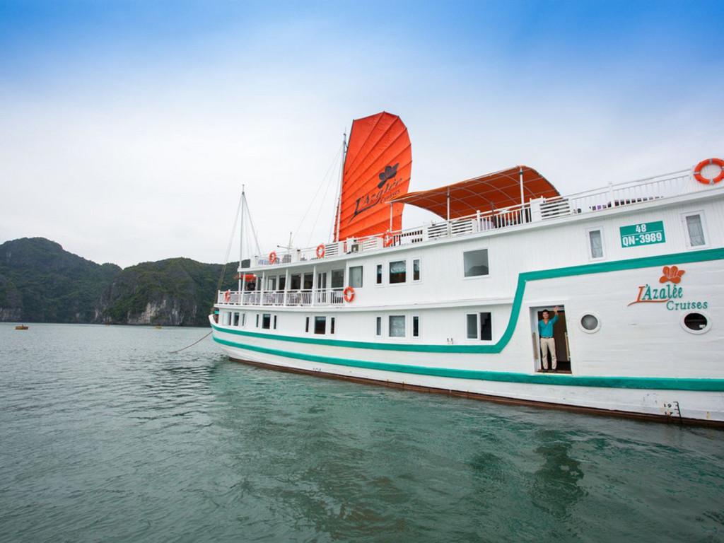 Dschunke in der Halong-Bucht