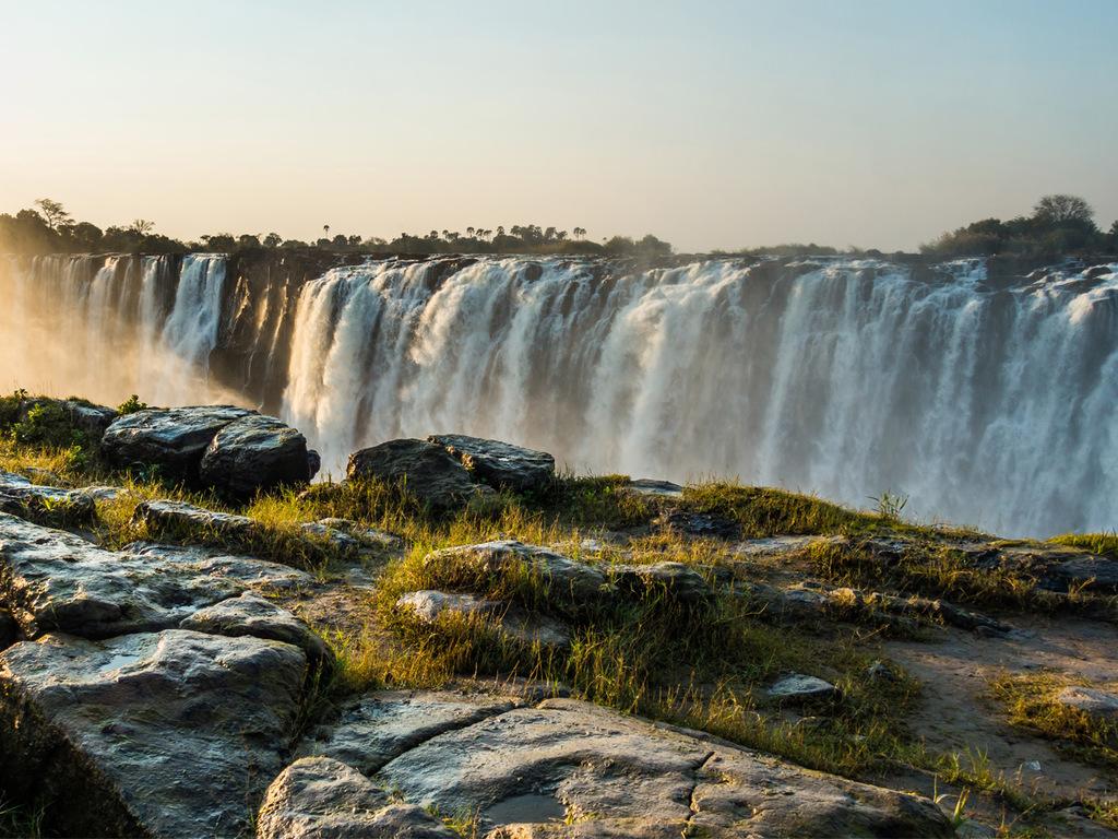 Victoria Falls: Spaziergang zu verschiedenen Aussichtspunkten der Victoriafälle
