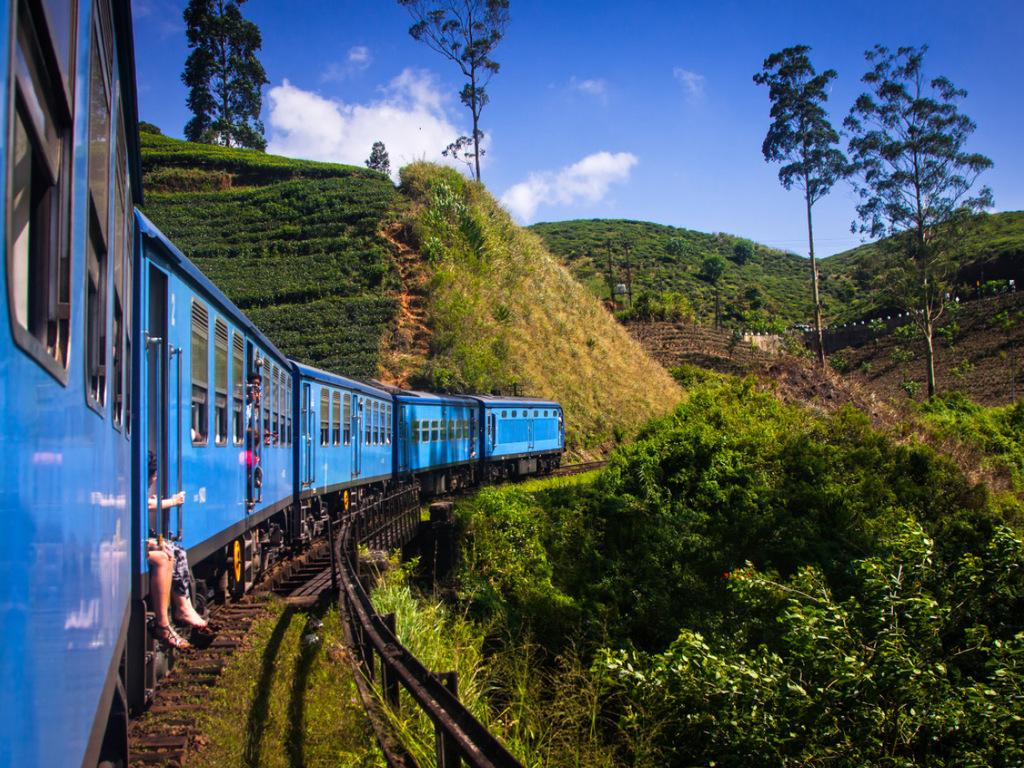 Kandy – Peradeniya – Nuwara Eliya: Besuch des botanischen Gartens, mit dem Zug nach Nuwara Eliya,  Stadtspaziergang