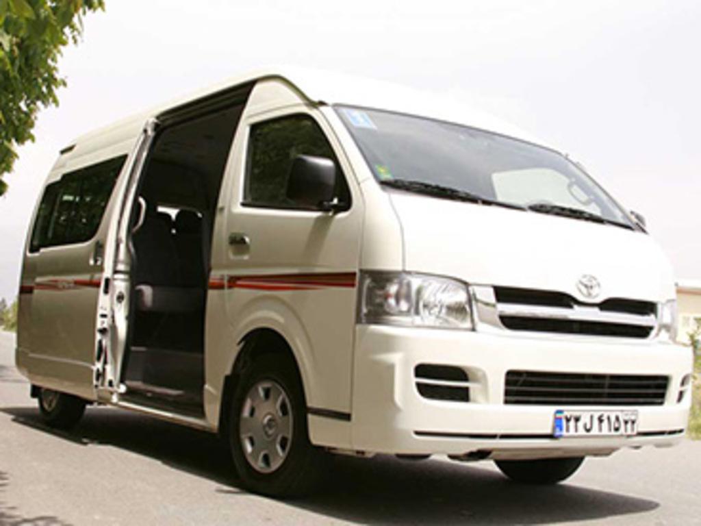 Einer unserer Micro Busse in Iran