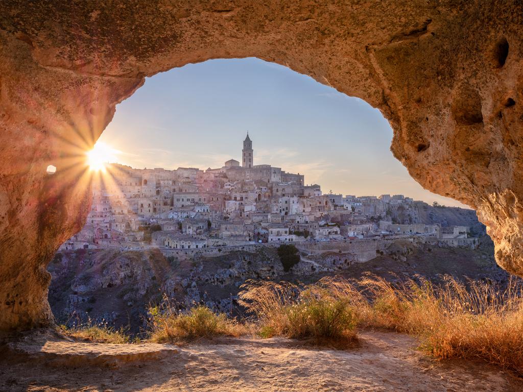 Tropea – Matera – Santeramo in Colle: Überlandfahrt nach Matera, gemeinsamer Spaziergang durch den Ort, Freizeit