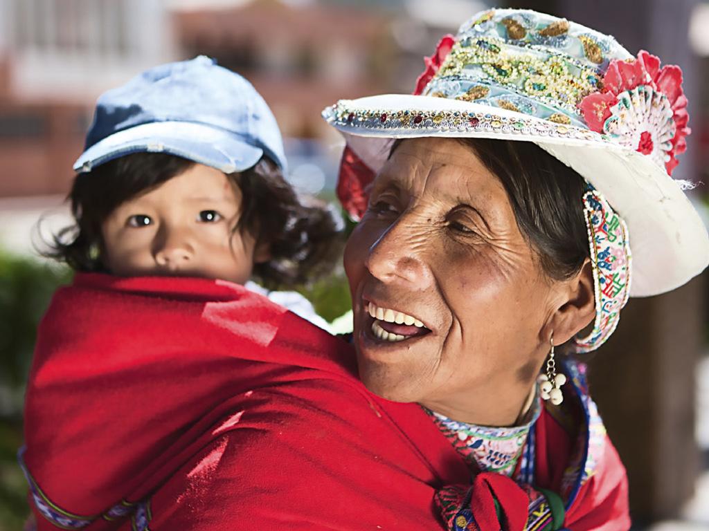 Puno am Titicaca-See : Bootsfahrt zu den schwimmenden Inseln, weiter zur Halbinsel Capachica, Mittagessen, Nachmittag frei