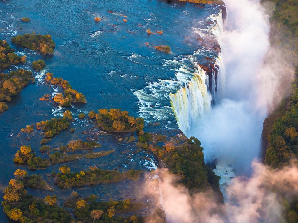 Nata – Victoria Falls: Grenzübertritt nach Simbabwe, Spaziergang entlang der Victoriafälle
