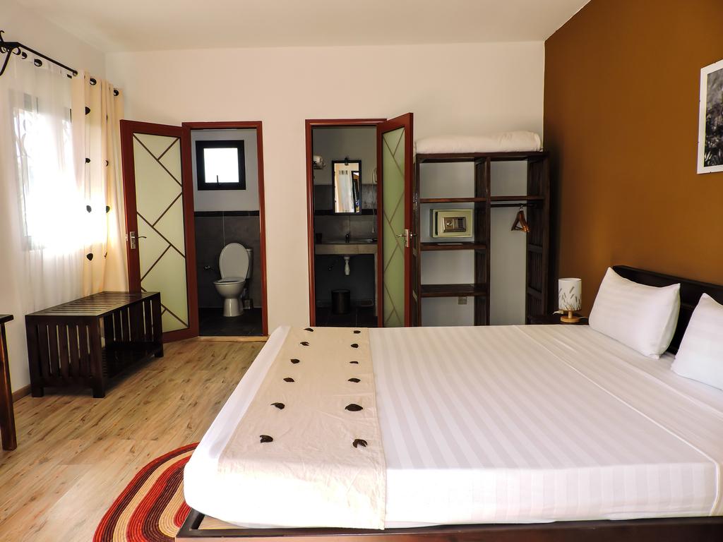 Hotel H1 *** in Manakara