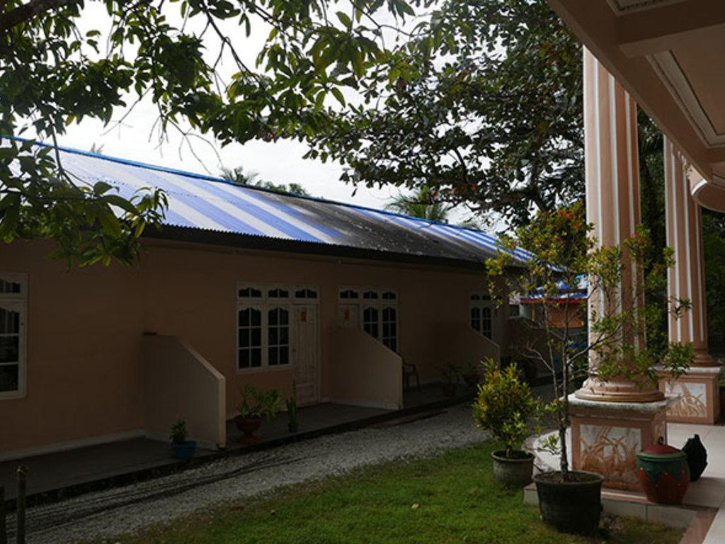 Perdana Gues House  in Saparua