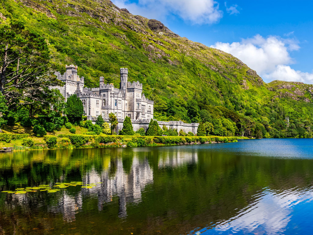 Sligo – Connemara-Nationalpark – Galway: Stadtbesichtigung in Sligo, Wanderung auf den Diamond Hill im Connemara-Nationalpark, Besuch der Kylemore Abbey