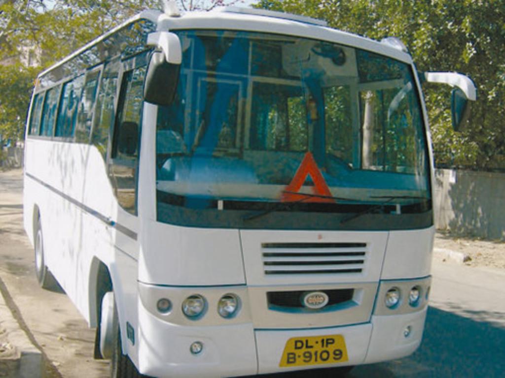 Busse für große und mittelgroße Gruppen in Nord- und Südindien