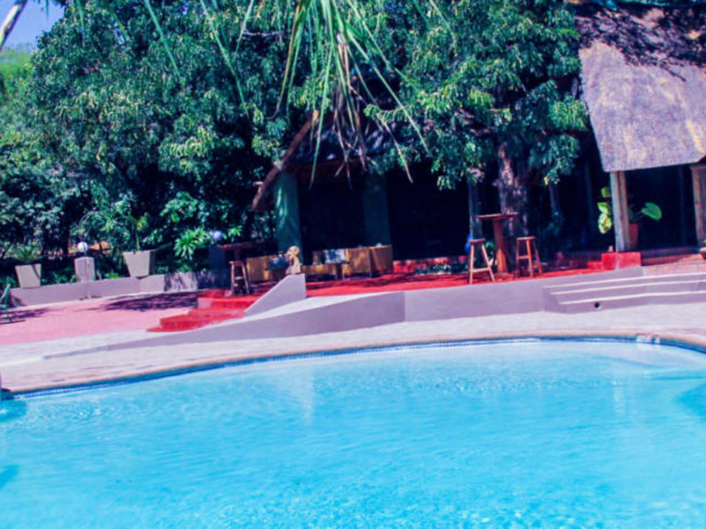 Kwalape Safari Lodge ** bei Kasane