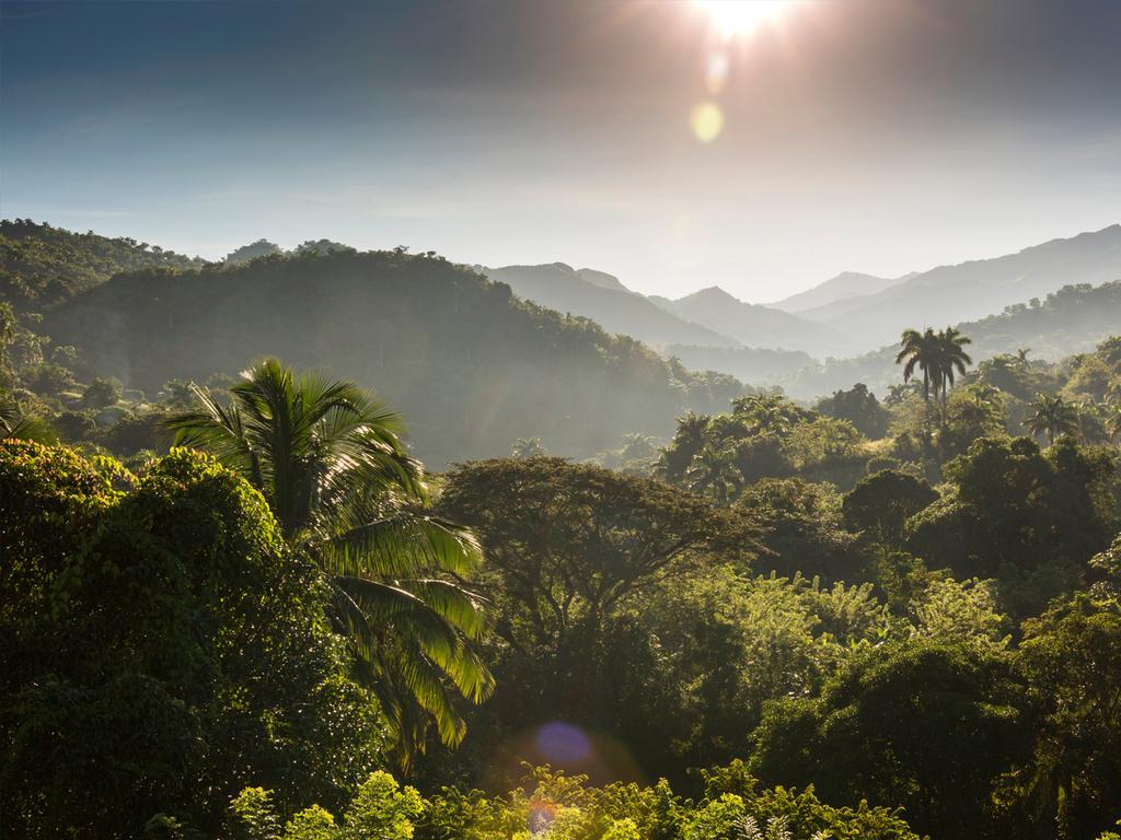Santo Domingo – Aguada de Joaquín: Trekkingtag 1: Aufstieg zum Basislager von Che und Fidel, Aufstieg bis zur Berghütte Aguada de Joaquín