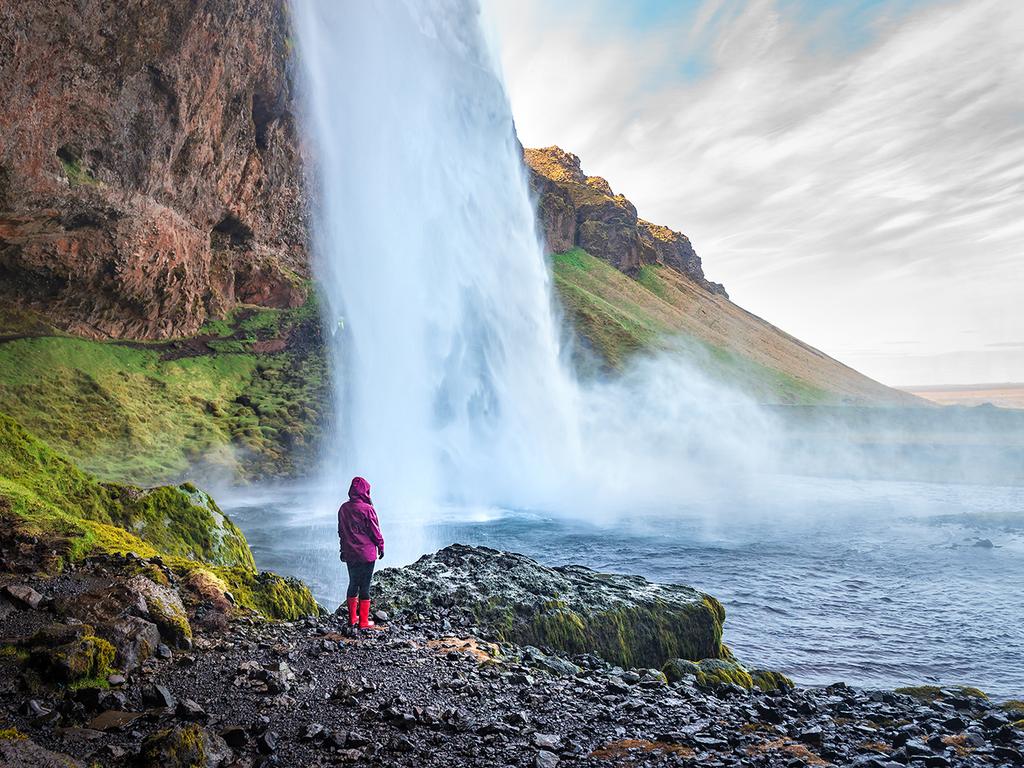 Vík – Sólheimajökull – Seljalandsfoss – Haukadalur – Gullfoss – Laugarvatn: Wanderung zur Gletscherzunge Sólheimajökull, Wasserfall Seljalandsfoss, Großer Geysir und Strokkur, Wasserfall Gullfoss