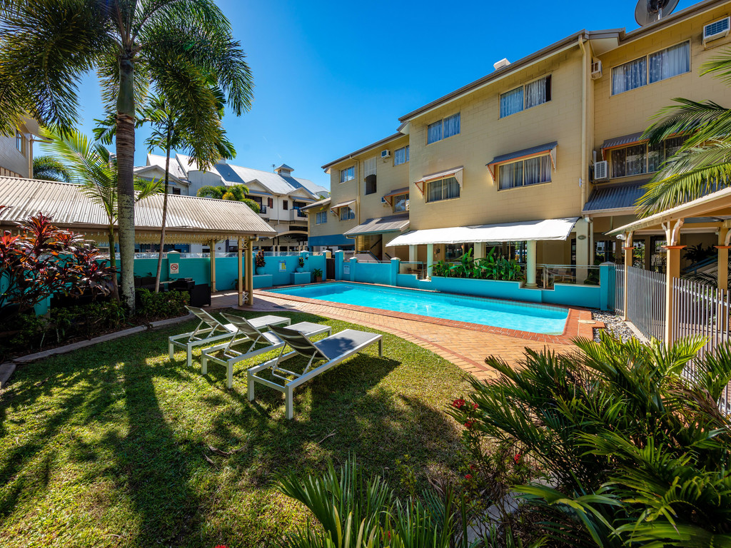 Cairns Queens Court *** in Cairns