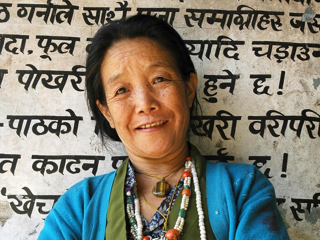 """Gangtey – Trongsa – Bumthang-Tal (Jakar): Wanderung auf dem """"Gangtey Nature Trail"""", Pele La-Pass, Trongsa Dzong, Yutong La-Pass, Besuch einer Yathra-Weberei"""